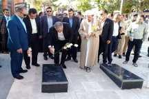 استاندار کردستان به مقام شامخ شهدای دیواندره ادای احترام کرد