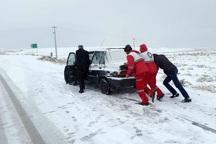 امدادگران هلال احمر به 242 فرد گرفتار در برف کمک کردند