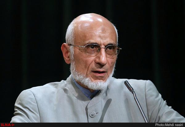 اخلاقی ترین رقیب روحانی از نظر روزنامه اطلاعات