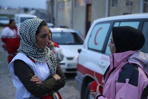 تشکر هدیه تهرانی از قایقرانان حاضر در مناطق سیل زده +فیلم