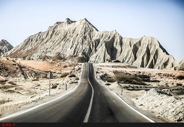 تسهیل در سفر با ساخت راه اصلی ضیاءآباد-خرمدشت-سه راهی رحیم آباد