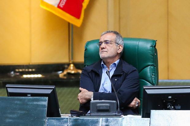 پزشکیان: مجلس با قدرت ایستاد، برای شهادت آماده بودیم