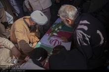 پیکرهای سه شهید جنگ تحمیلی وارد شیراز شد