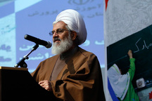 امام جمعه زنجان: تکریم معلمان بین ملت ها نهادینه شده است