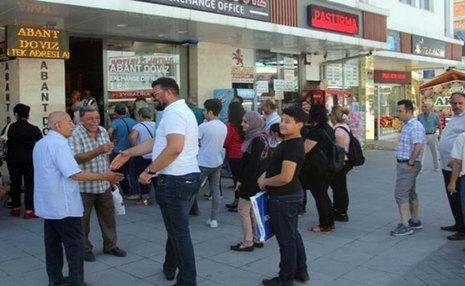واکنش جالب مردم ترکیه به سقوط قیمت لیر + تصاویر