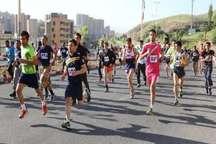 مسابقه بزرگ دو همگانی رهروان شهدا در سنندج برگزار شد