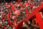 شعار پرسپولیسیها علیه قلعهنویی/ بیرانوند مصدوم شد رادو گرم کرد