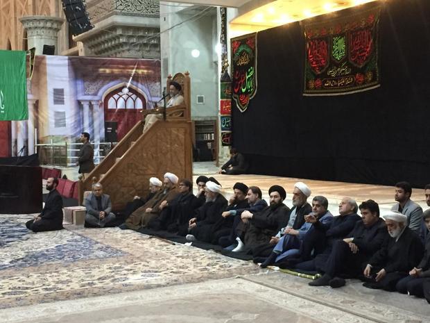 در مراسم عزاداری شب عاشورای حسینی (ع) در حرم امام خمینی؛ وزیر اطلاعات: عاشورایی بودن در عمل باید ثابت شود/ رسیدن به حکومت اسلامی در ادعا ثابت نمیشود
