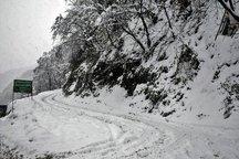 بارش 35 سانتیمتر برف در کوهستان حیران آستارا   راه ها باز است