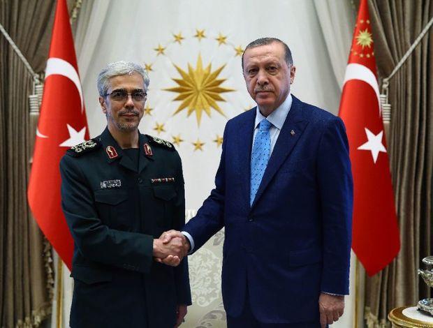 دیپلماسی نظامی در مدد دیپلماسی خارجی