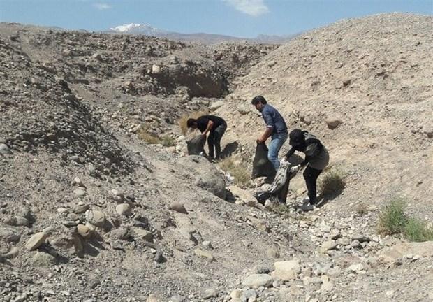 بخشی از بیابان لوت کرمان از زباله پاکسازی شد+ تصاویر