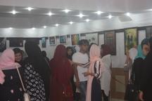 مجموعه آثار بانوی هنرمند معلول خنجی به نمایش گذاشته شد