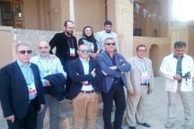 گردشگران ایتالیایی از بیت تاریخی امام راحل در خمین بازدید کردند