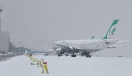 خلبان پرواز 747 شرکت ماهان به دلیل حبس مسافران درهواپیما زندانی شد