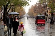 بارش باران در همدان ادامه دارد