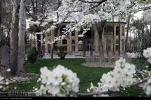 لبخند بهاران در کاخ تاریخی 8بهشت اصفهان