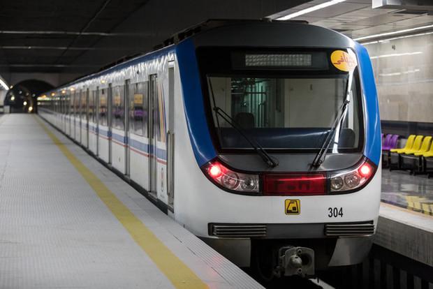پذیرش مسافر خط 7 مترو از ساعت 10تا 13