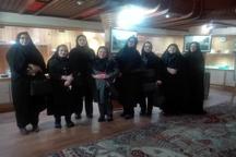 بازدید اعضای کمیسیون بانوان شهرستان لاهیجان از موزه تاریخ چای و کارگاه حصیربافی