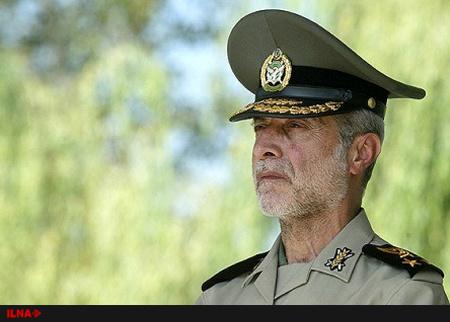 بازدید فرمانده کل ارتش از پایگاه دریایی بوشهر