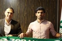 حمید بوحمدان با تیم فوتبال ذوب آهن تمدید کرد