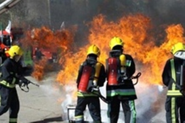 نیروهای آتش نشانی مشهد برون سپاری نمی شوند