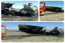 فوت 2 نفر بر اثر تصادف یک دستگاه تریلی با کامیون دردامغان