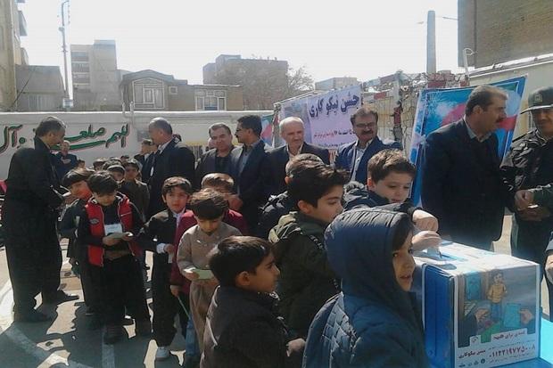 45 هزار پاکت جشن نیکوکاری در مدارس بوکان توزیع شد