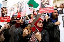 ولیعهد عربستان سفر به کشوری که مردم عکس اش را آتش زدند پایان داد+تصاویر
