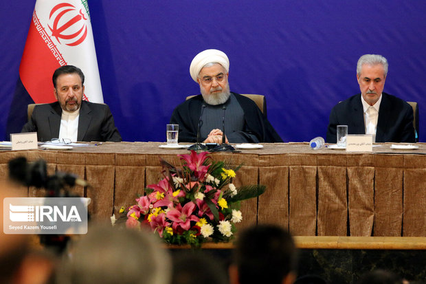 مردم ایران تسلیم توطئههای دشمنان نمیشوند