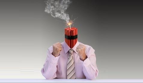 چگونه «عصبانیت» خودمان را مدیریت کنیم؟ (+راهکارهای واقعاً ساده و عملی)