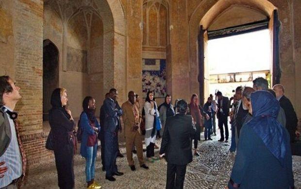 ۲۳۰ راهنمای تور گردشگری در قزوین فعال هستند