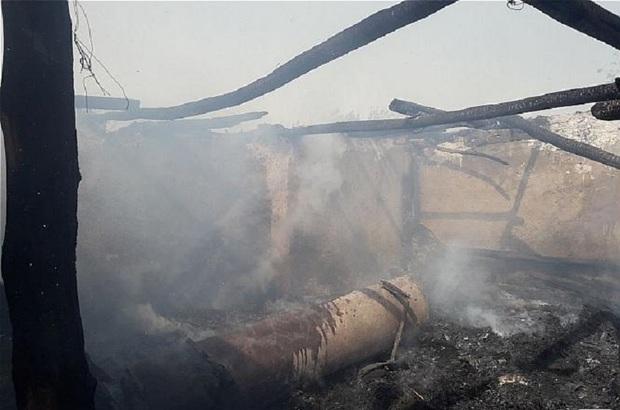 یک واحد دامداری در جاده ورامین در آتش سوخت