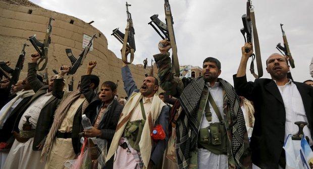 انصارالله: از سوریه میخواهیم به عربستان و اسرائیل حمله کند؛ ما هم حمایت میکنیم