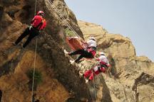 کوهنورد شازندی توسط  نیروهای هلال احمر نجات یافت