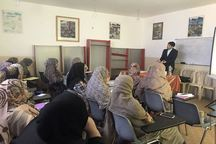 دوره بازاریابی فروش صنایع دستی در قشم برگزار شد