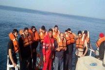 نجات جان ۱۶ سرنشین کشتی سانحه دیده در خلیج فارس