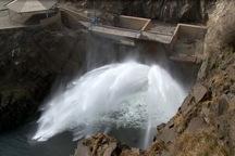 رهاسازی آب از سد «دریک» سلماس به دریاچه ارومیه آغاز شد