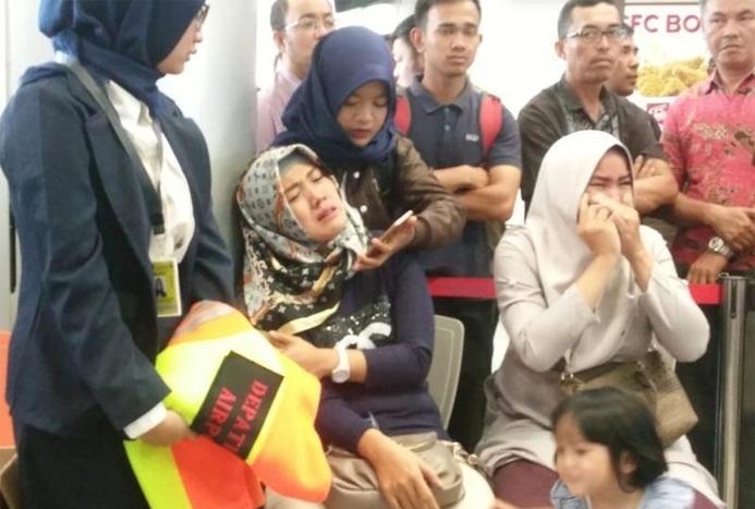 فریادهای الله اکبر و لاالهالاالله مسافران اندونزی در هنگام سقوط هواپیما+ فیلم