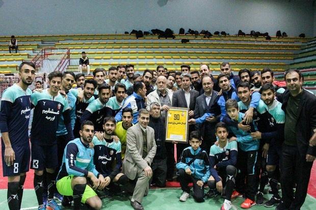 10 درصد مبلغ قرارداد بازیکنان تیم فوتبال 90 ارومیه پرداخت شد
