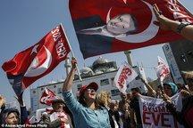 عکس/ «بله» و «نه» گویان به همه پرسی ترکیه