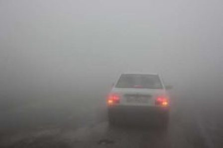 مه غلیظ دید رانندگان در گرنه های شمالی زنجان را کاهش داده است