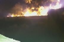 سرایت آتش خط لوله نفت اهواز به یک روستا