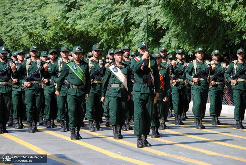 رژه نیروهای مسلح در خرمآباد
