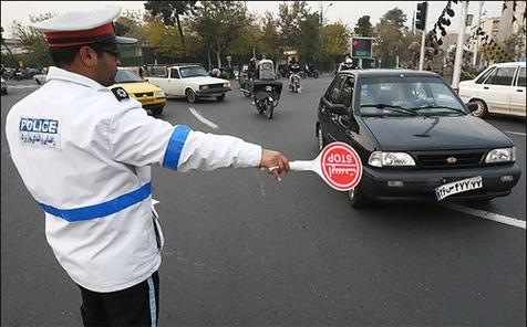 حرکت جالب پلیس برای جلوگیری از ترافیک در پل صدر+ ویدیو