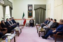 امام جمعه شیراز: در فضای علمی درباره مسائل شهرها تصمیمگیری شود