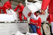 شرکت نفت بندرعباس به سیل زدگان کمک های غیرنقدی ارسال کرد