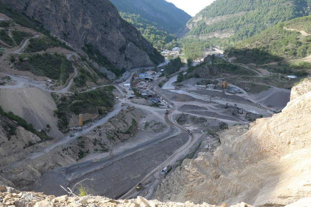 بازدید معاون وزیر نیرو از پروژه سد هراز و پایان یک شایعه