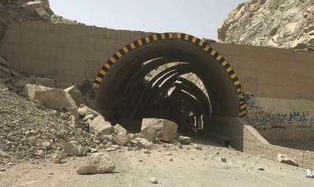 جاده ایلام - مهران تا ساعت 8 صبح سه شنبه 13 تیر مسدود است
