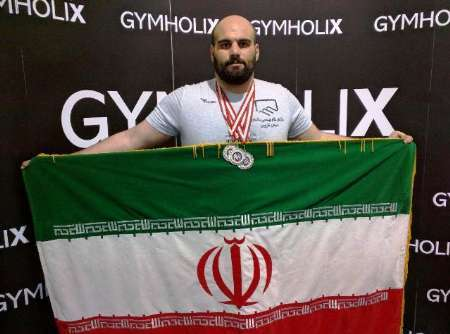 ورزشکار قزوینی به سه نشان طلای مسابقات بین المللی پاورلیفتینگ ترکیه دست یافت