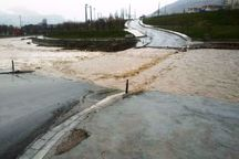 پل های موقت در خرم آباد مسدود شدند